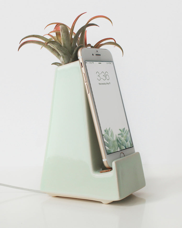 Stak Ceramics Mint Vase Phone Dock (Pre-Order Only) - Stak Ceramics