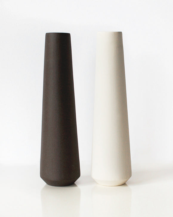 Modern Salt & Pepper Shakers | Yahalomis
