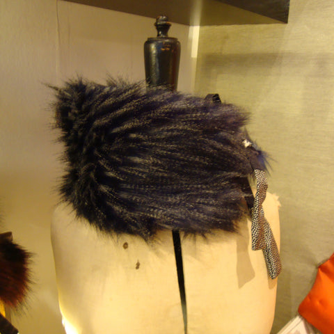 grey and black fur collar