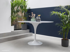 Side view of the Saarinen 120cm White laminate Tulip Table