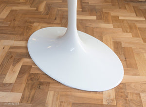 Stem base of the white laminate 200cm oval Tulip Table