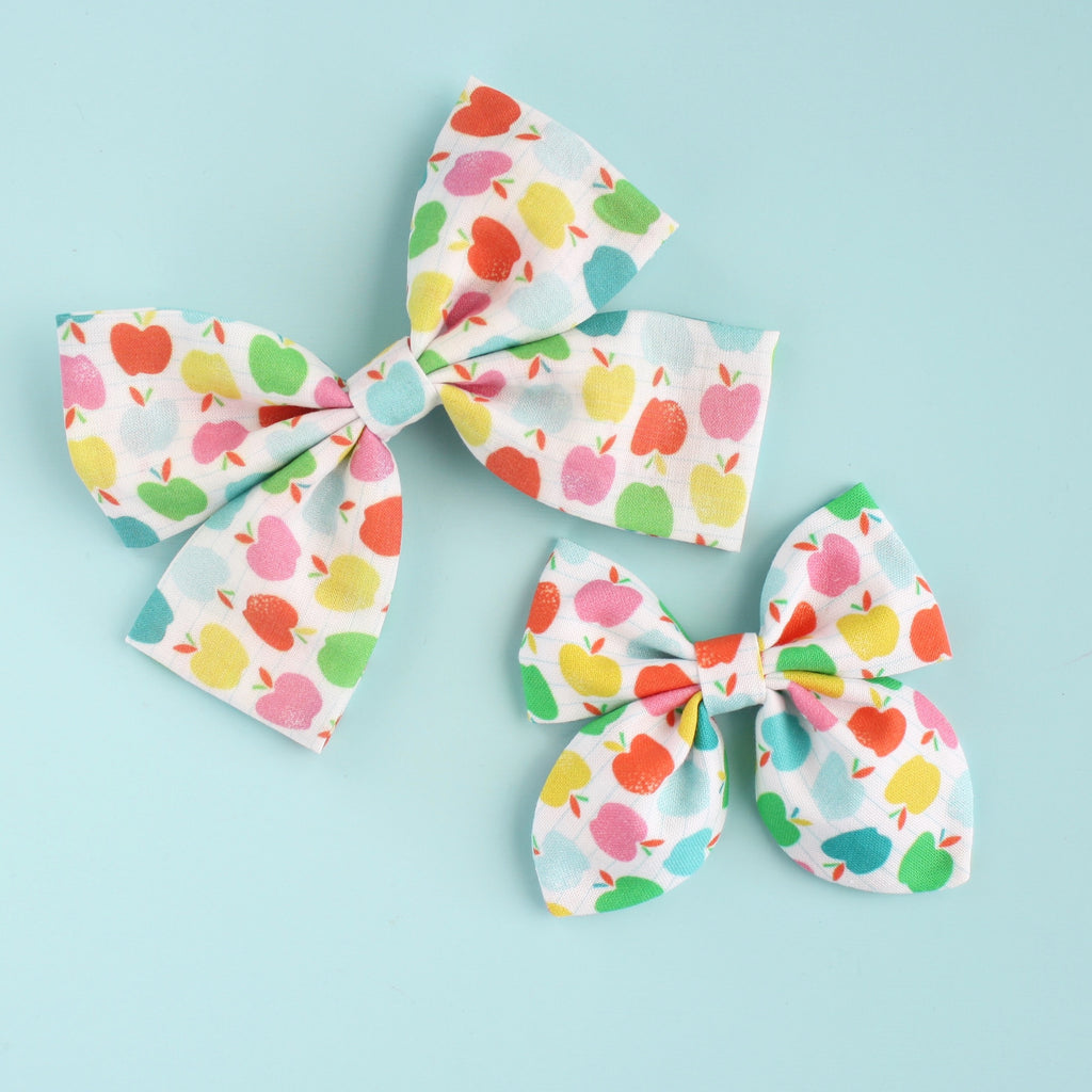 COLORFUL APPLES Laraline Bow