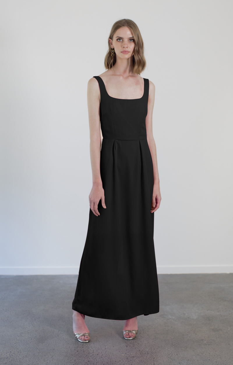 MAGGIE GOWN - BLACK