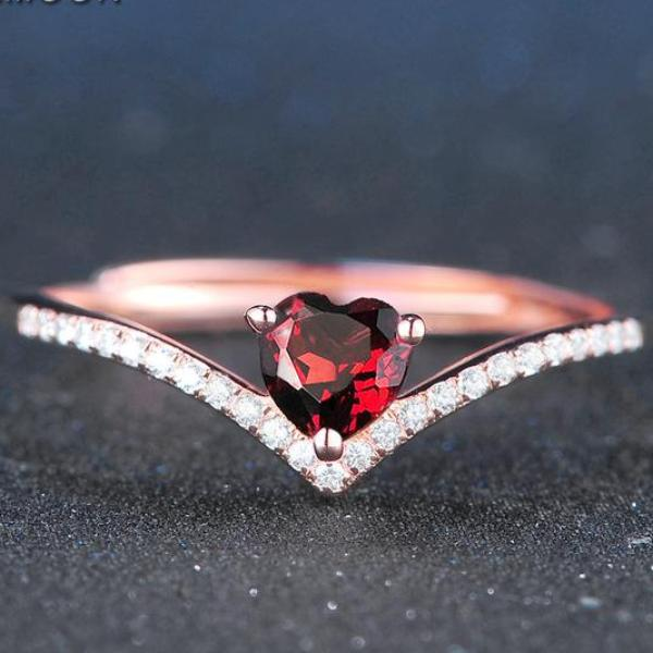 Red Garnet Heart Shape .925 Sterling Silver with Rose Ring