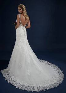 Ivory Lace fit & flair Bridal Gown with lots of sparkle!
