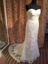 Load image into Gallery viewer, Ivory Lace Silhouette Bridal Gown - 5312 Tia by Benjamin Roberts Size 8