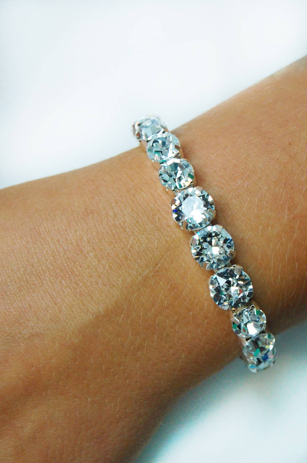 Pretty diamante bracelet - TLB2002