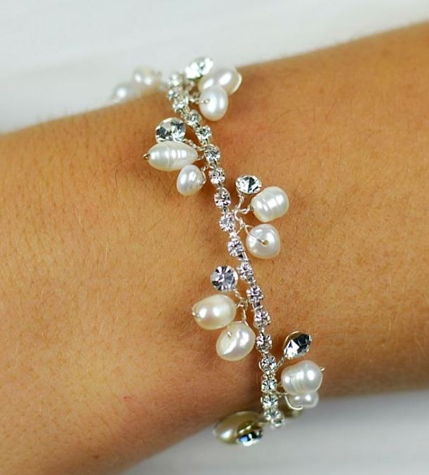 Freshwater pearls and Diamante Bracelet - TLB2032