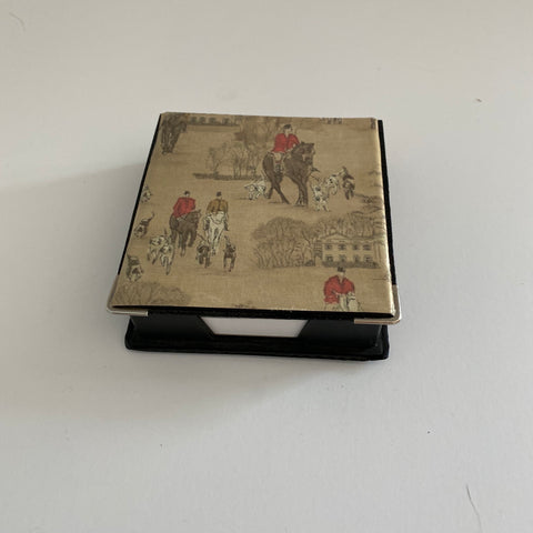 Hunt scene notepad