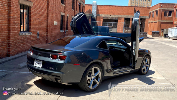 Installer | BW Customs and Automotive | Texas | Chevrolet Camaro with Vertical Lambo Doors Conversion Kit from Vertical Doors, Inc.