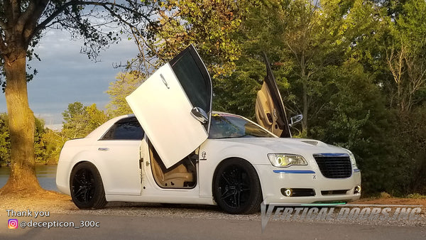 Slide Show, Joey's @decepticon_300c Chrysler 300 from Tennessee featuring Vertical Lambo Doors Conversion Kit