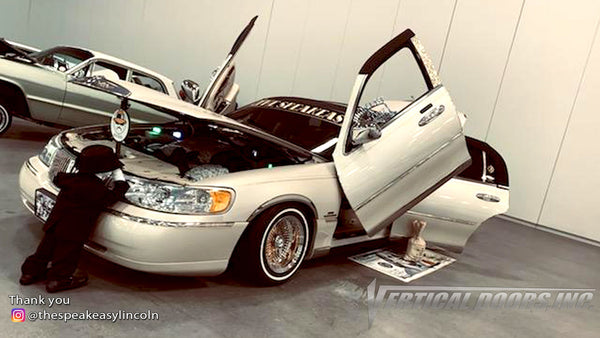 Check out Damon's @thespeakeasylincoln Lincoln Town Car from Kentucky featuring Vertical Lambo Doors Conversion Kit from Vertical Doors, Inc.