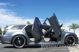 Dodge Magnum 2004-2008 Rear Vertical Lambo Doors