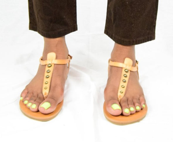 Universal Thread Tan Kylianne T-Strap Studded Flat Thong Sandals
