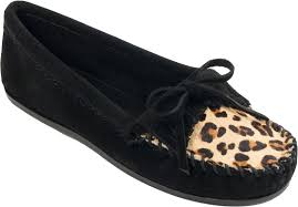 Minnetonka Women's #349F Black Leopard Kilty Suede Leather Moccasin Runs Large