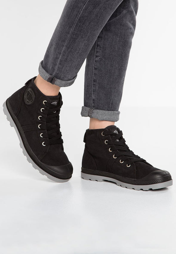 Palladium Baggy Women's Lace-Up Boots in Black/Wild Dove