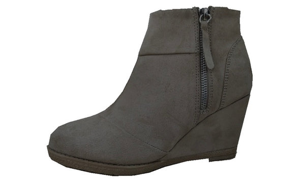 SOCIOLOGY Microsuede Ankle Wedge Booties Tassel Zip WOMEN'S Size 9
