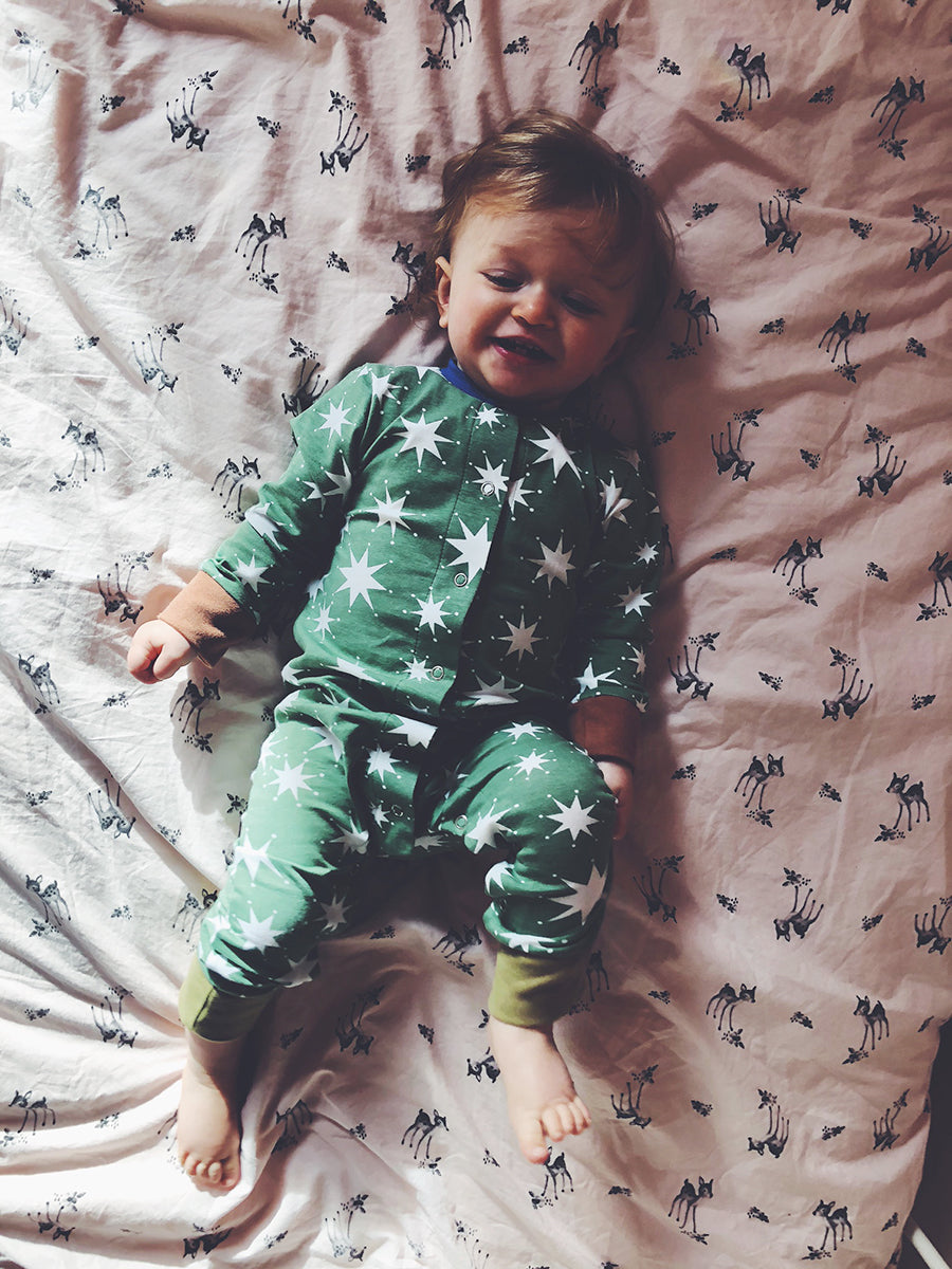 BUTTON DOWN FRONT SLEEPSUIT - STAR HEDGE GREEN
