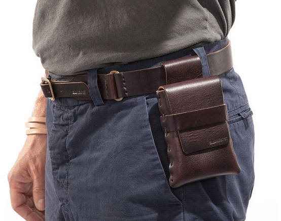 22081b9f4e5 A 'handsome' belt pouch that marries tech with the timeless – Billykirk