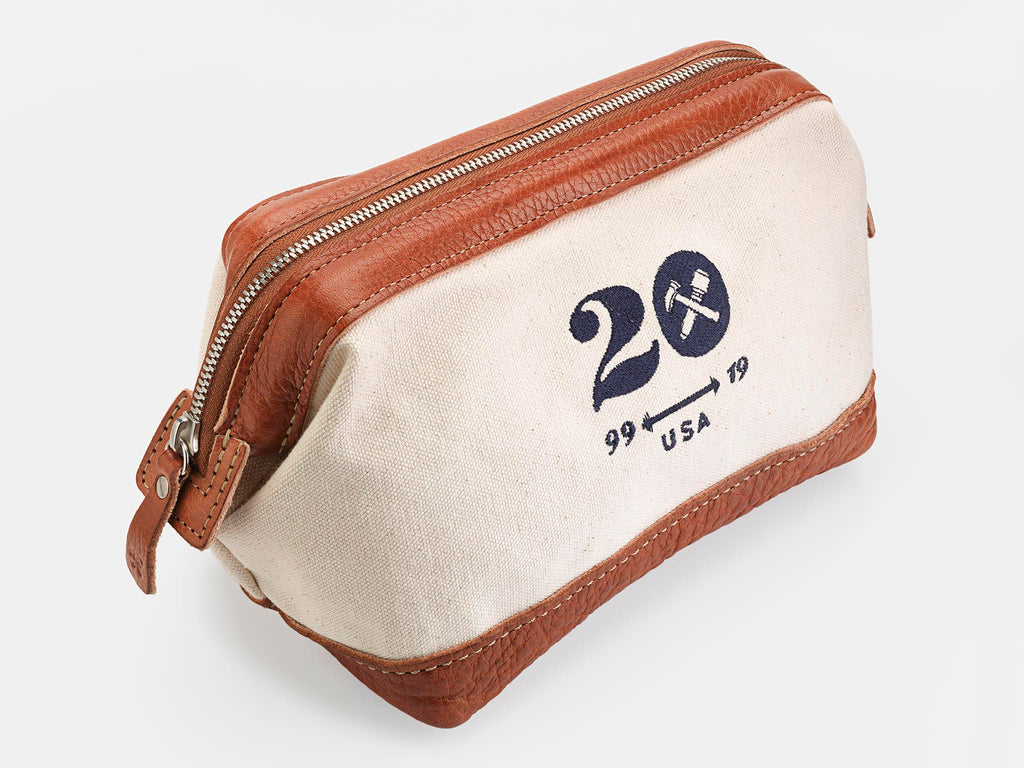 No. 477 Carryall Toiletry Bag