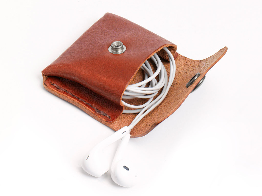 No. 424 Coin/Headphone Pouch, Chestnut
