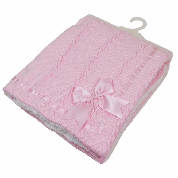 Luxury blanket with bow