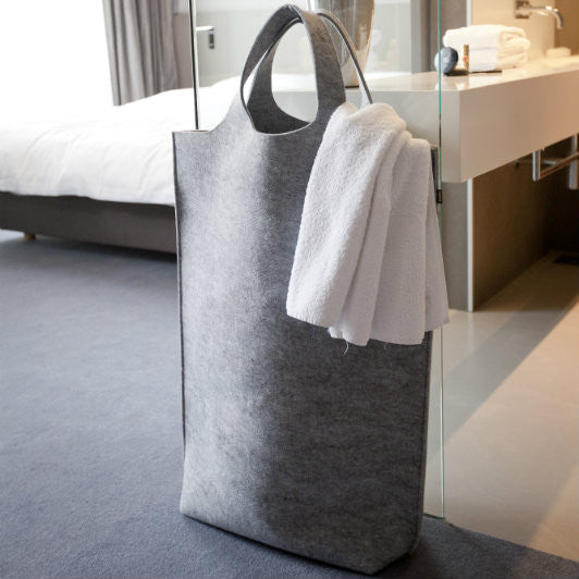 Laundry bag from recycled felt