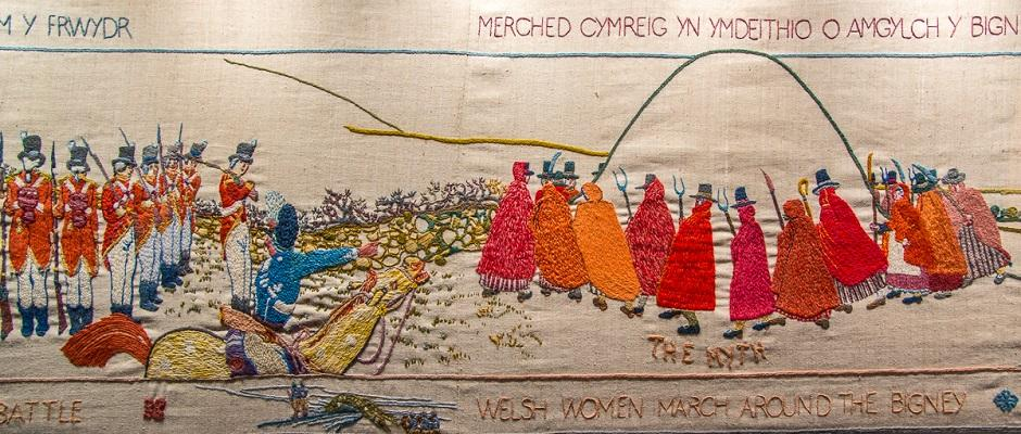 Werlsh Dress - Women dressed in Welsh Costume