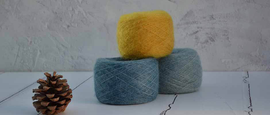 Hand dyed yarn - Dyed with 100% natural dye colours