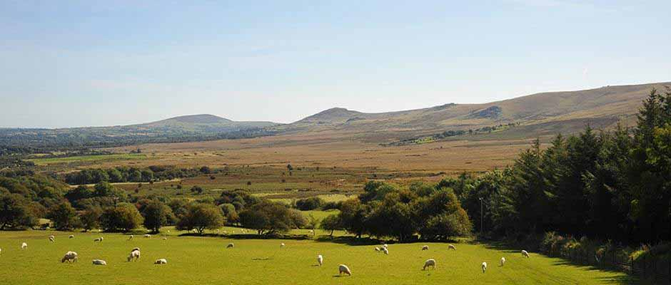 Preseli Mountains or Preseli Hills, Pembrokeshire. Welsh blankets, welsh tapestry blankets, Hand dyed yarn, Hand bound books