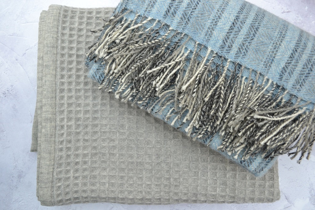 Welsh wool blankets and throws - traditionally hand woven woollen throws in Wales