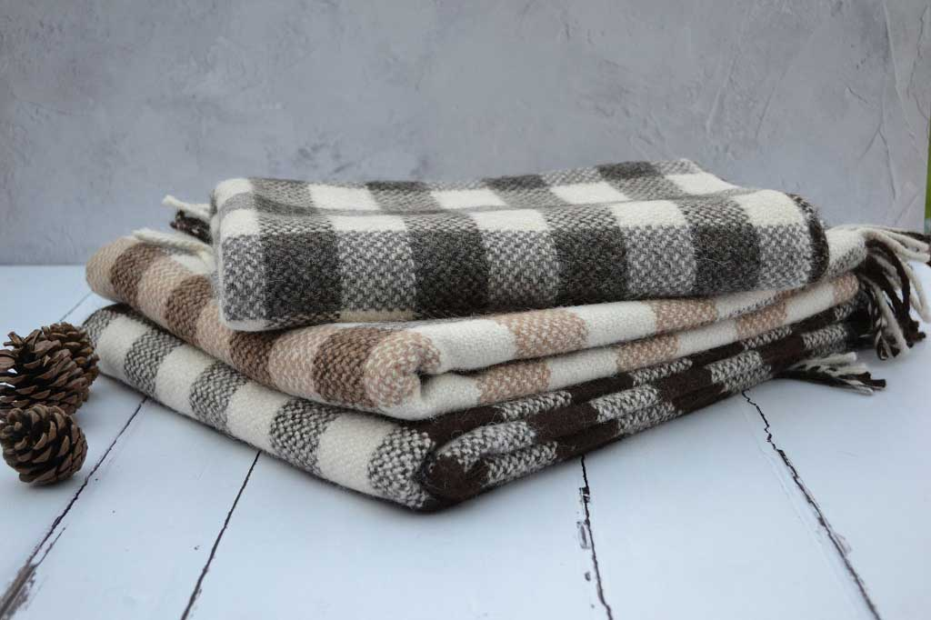 Welsh blankets - 100% new wool - woven in wales - Gwladfa - FelinFach