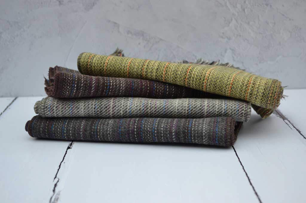 Lambswool scarves - Traditionally woven in Wales - Pure new wool. - Finished with an eyelash fringe