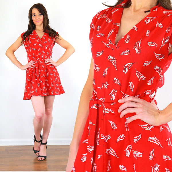 Red floral mini dress vintage 60s mod bohemian V neckline belted tiered retro mini dress L Large