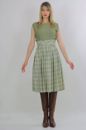 plaid dress green pleated Vintage  1970s dirndl gingham checkered high waisted sleeveless Festival Large - shabbybabe  - 2