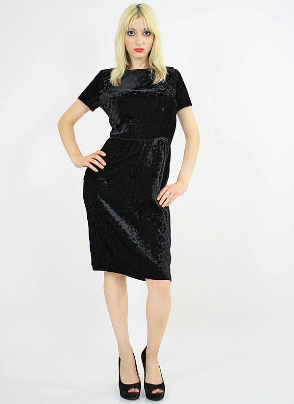 Black velvet  party dress cocktail short sleeve 60s sheath - shabbybabe  - 1