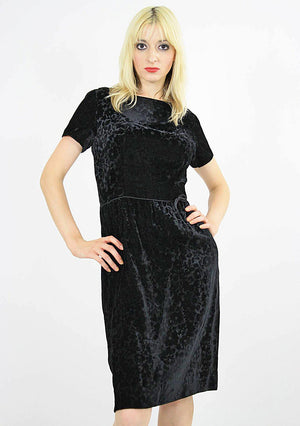 Black velvet  party dress cocktail short sleeve 60s sheath - shabbybabe  - 4