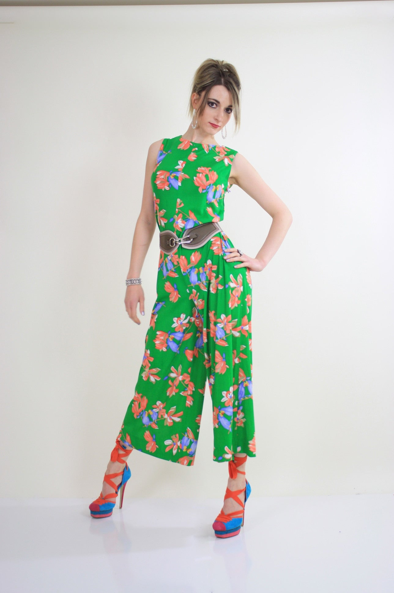 5338a78456f Vintage 70s Boho tropical bird floral romper jumpsuit - shabbybabe - 2