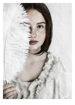 Fotoplakat Girl with Feather fra Ingrey Studio