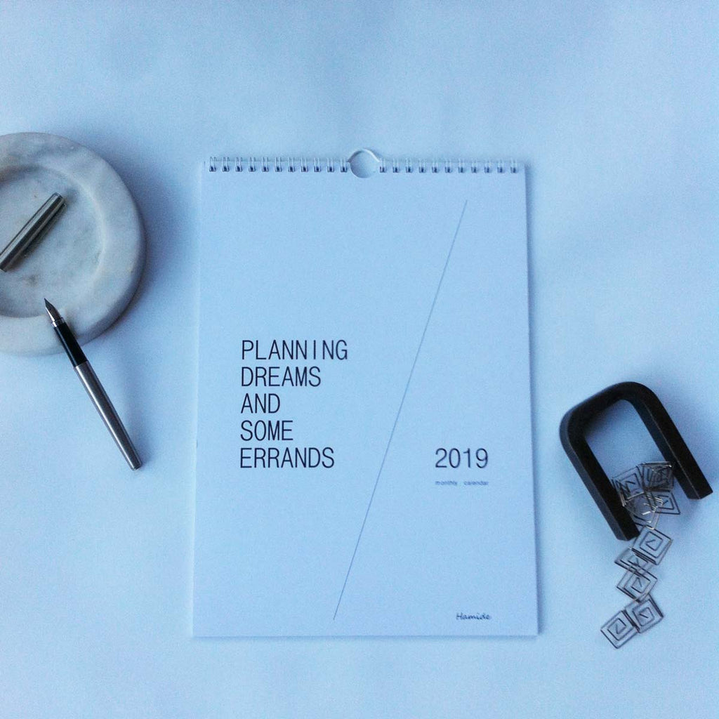 Monthly Calendar: Planning Dreams and Some Errands 2019 fra Hamide Design Studio