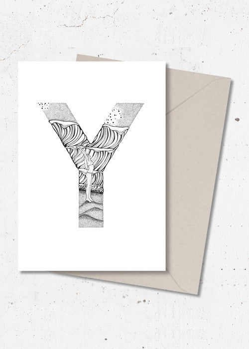 Y · ALPHABEACH wall card fra ALPHABEACH by Skye & Sane