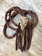 Load image into Gallery viewer, leather arrowhead necklace