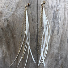 Load image into Gallery viewer, Long feather Earrings