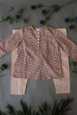Pink Triangular Kurta Pyjamas