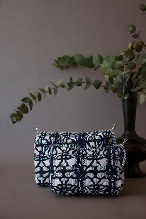 Green & Navy Lionshead Toiletry Bag