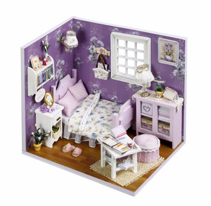 "DIY Miniature Dollhouse Kit ""Sweet Sunshine"" - Scale 1:24"