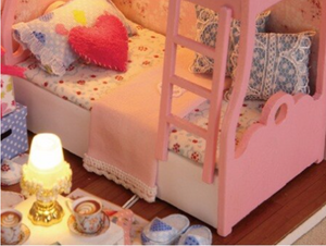 "DIY Miniature Dollhouse Kit ""Pink Bunkbed"" - Scale 1:24"