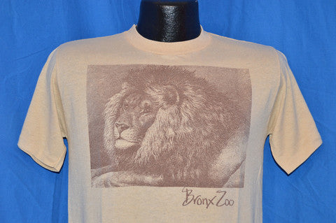 7198c5565379f6 This 80s era souvenir t-shirt from the Bronx Zoo just hit our online shop  this week and I'm just smitten with that handsome old lion on the front.