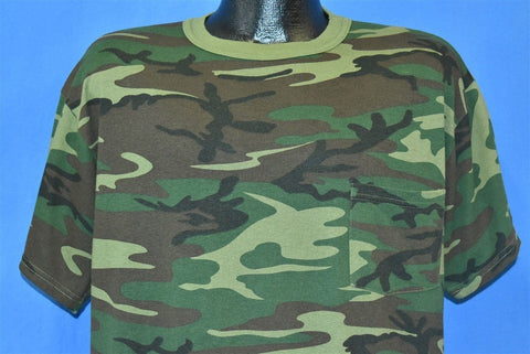 90s Ranger Woodland Camo Hunting Pocket t-shirt Extra Large