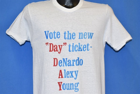 70s Vote New Day Election t-shirt Small